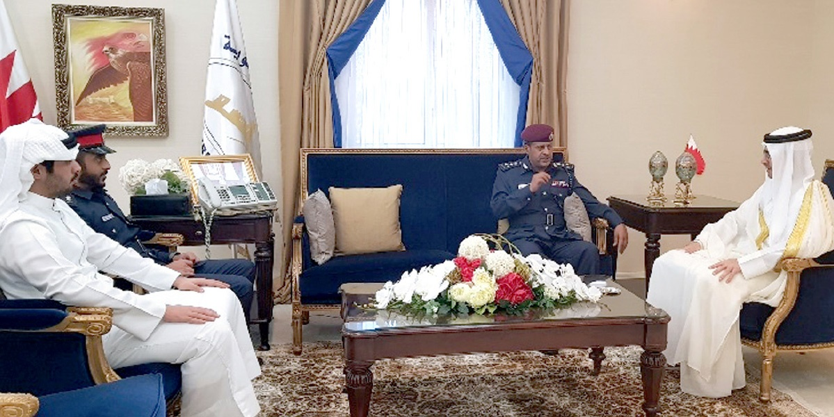 His Highness the Governor discusses cooperation in security initiatives with the Director-General of the Southern Governorate Police
